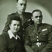 Karel Brhel s rodiči