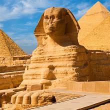 Záhadná sfinga u pyramid v Gíze