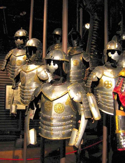 Zbroje polských husarů ze 17. století.