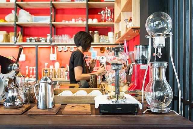 Jedna znejlepších kaváren ve městě, moje oblíbené místo na psaní článků. Kávu mají zvlastní plantáže ipražírny.
