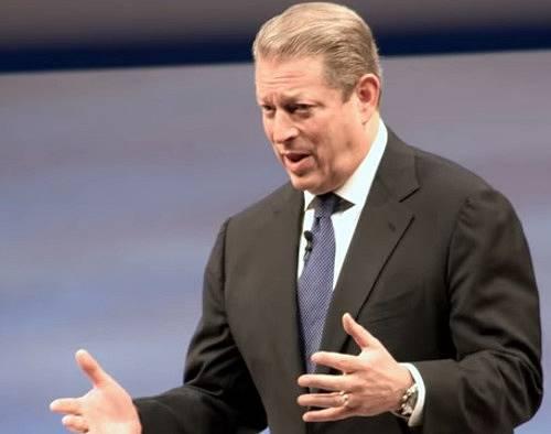 Finanční injekce se od Janite dočkal i politik Al Gore.