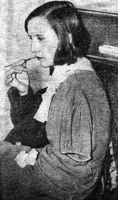 Charlotte Purcellová předvedla, jak musely olizovat špičky štětců