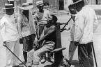 Poprava garotou na Filipínách, r. 1901