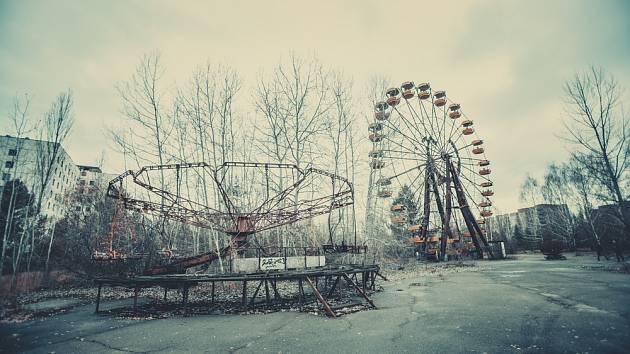 Černobyl láká fanoušky adrenalinové turistiky tajemnou atmosférou zakázané zóny.