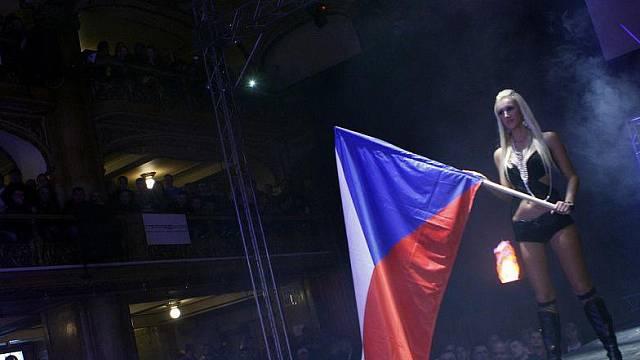 Češi sami vidí svou zemi jako známku vynikající kvality, ostatní nás berou spíš jako odtažité