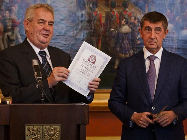 Bojovníci proti prohnilému establishmentu: Miloš Zeman a Andrej Babiš
