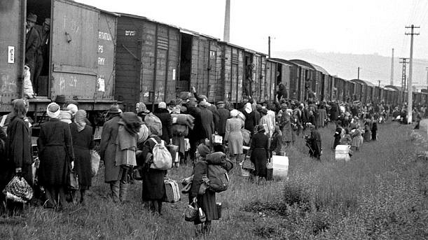Stačilo 1643takových vlakových souprav a německá menšina vČeskoslovensku se stala minulostí