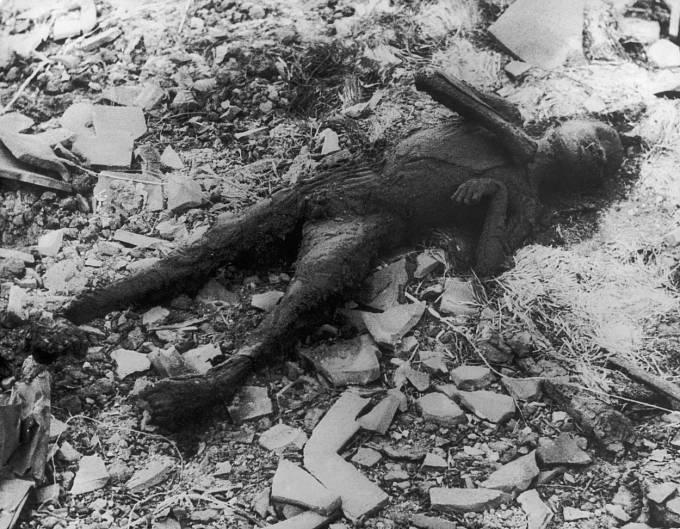 Oběti bombardování v Nagasaki