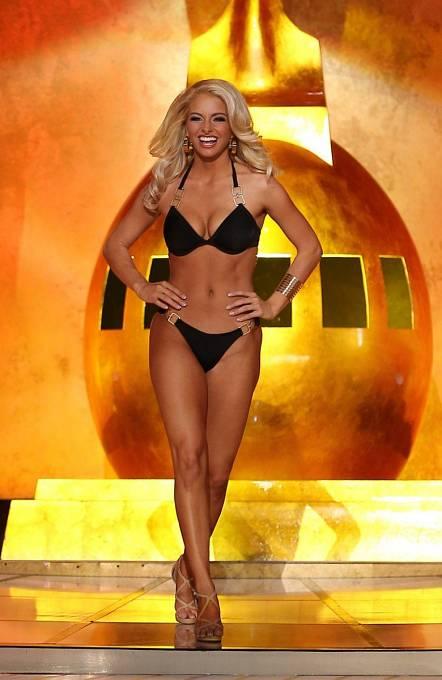 Promenáda v plavkách je prý pro účastnice soutěží Miss ponižující