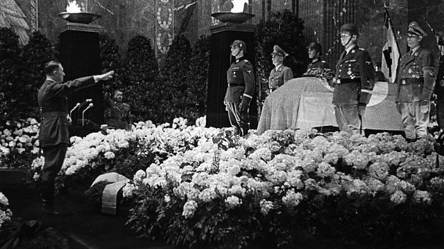 Adolf Hitler na pohřbu Reinharda Heydricha
