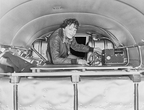 Amelia Eackhart vkokpitu