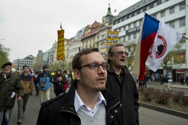 Adam B. Bartoš na demonstraci