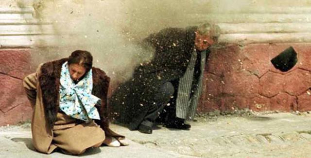 Spolu sCeauceșcem byla 25.prosince 1989popravena ijeho žena Elena.