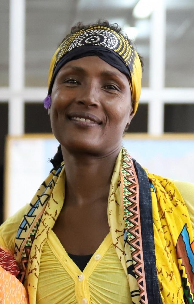 Waris Dirie (*1965) je somálská modelka, spisovatelka, herečka a aktivistka za lidská práva.