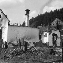 Vypálená obec Javoříčko byla po válce znovu postavena
