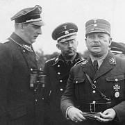 Tehdy si ještě rozuměli - SS-Oberstgruppenführer Kurt Daluege, říšský vůdce SS Heinrich Himmler a náčelník štábu SA Ernst Röhm. Později se SS a SA obrátí proti sobě
