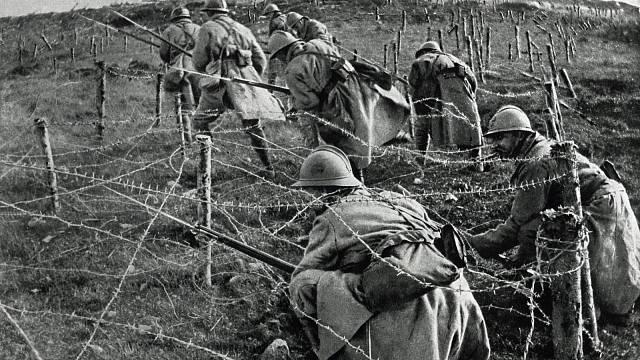 Bitva u Verdunu byla jednou z nejkrvavějších. Čísla o počtu mrtvých se liší, hovoří se o 400 tisících.
