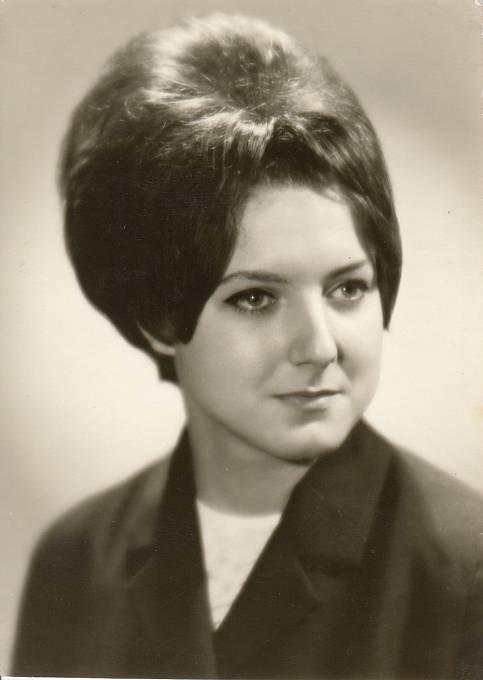 Petra Erbanová (maturitní foto), 1966