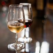 Ochutnávka bílého a červeného portského vína