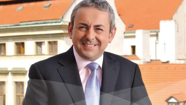 Šéf skupiny CE Group Ladislav Dráb na fotografii ve výroční zprávě za rok 2011.