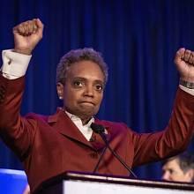 Lori Lightfootová, první černá gay starostka Chicaga v historii