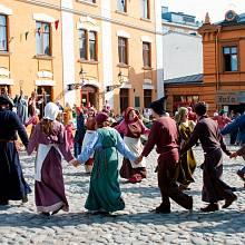 Tanec byl oblíbenou zábavou chudých i bohatých.