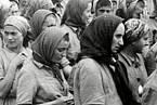 Mengele ženám sliboval převoz do lepšího tábora, místo toho je vraždil.