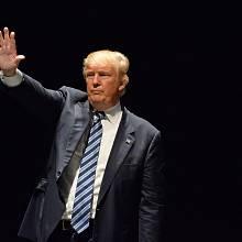 Mezi Trumpovými voliči se vyskytuje překvapivě velké procento lidí s bakalářským titulem a nadprůměrnými příjmy.