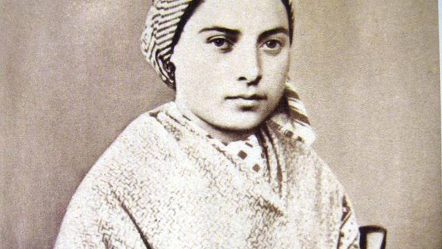 Bernadette Soubirous stála u zrodu poutního místa Lurdy, jemuž jsou přičítána mnohá uzdravení.