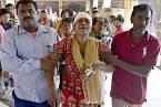 Zranění cestující indických vlaků