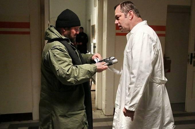 Karel Zima a Petr Motloch v seriálu Temný kraj