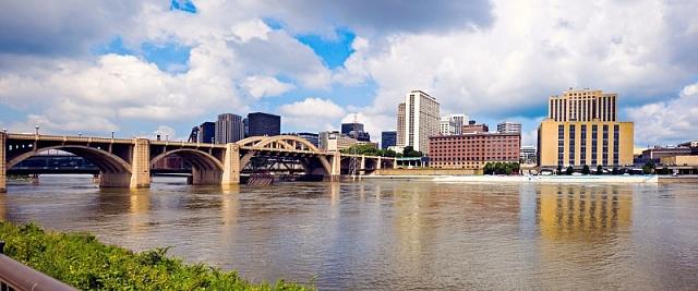 Druhé největší město Michiganu po Detroitu je Grand Rapids.