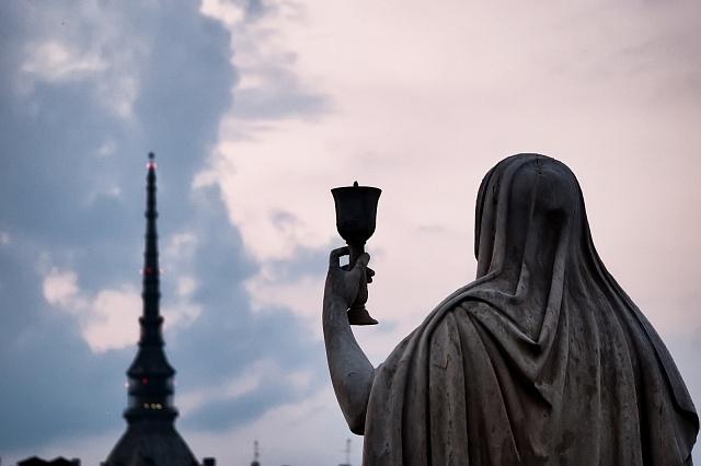 Svatý grál láká pozornost zvědavců zcelého světa