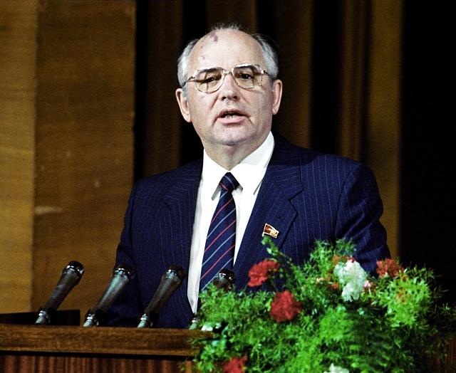 Tehdejší vládce Kremlu Michail Gorbačov pokus opřevrat přežil, rozpadu Sovětského svazu se však už nepodařilo zabránit.
