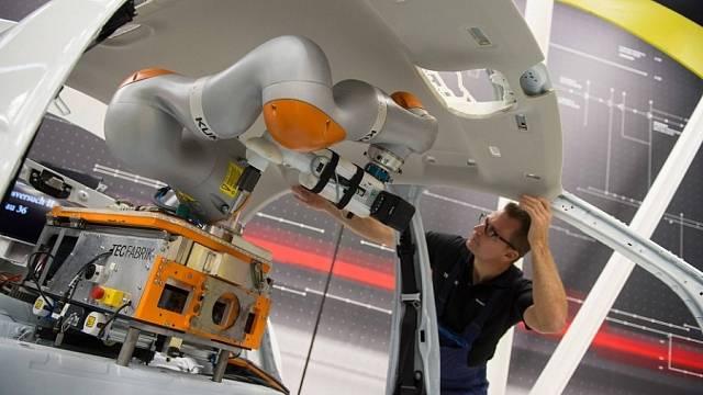 """Kobot- spolupracující robot. Přítel, nebo """"zabiják"""" dělníků?"""