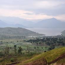 Provincie Jižní Kivu se nachází na východě DR Kongo u hranic se Rwandou. Její centrum, město Bukavu, je od metropole Kinshasy vzdálené přes 2000 kilometrů.