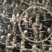 August Landmesser v davu