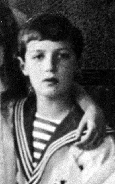 Carevič Alexej, jemuž bylo v době popravy carské rodiny třináct let. Zabit byl dvěma ranami do hlavy
