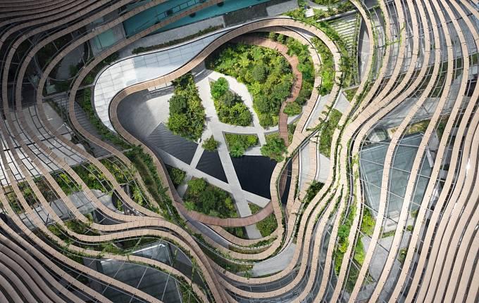 NEJLEPŠÍ ZELENÁ BUDOVA. Výškové budovy v hustě obydleném Singapuru jsou protkané zelenými oázami s tropickou vegetací.