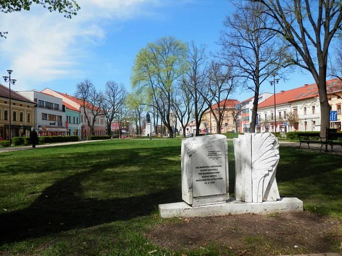 Nálet na Spišskou Novou Ves z 24. března 1939 připomíná v obci několik pomníků