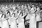 Německé sestry přísahají věrnost vůdci.