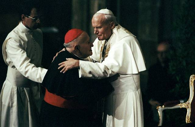 Jan Pavel II. s kardinálem Františkem Tomáškem