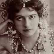 Upřenému pohledu Mata Hari odolalo jen málo mužů