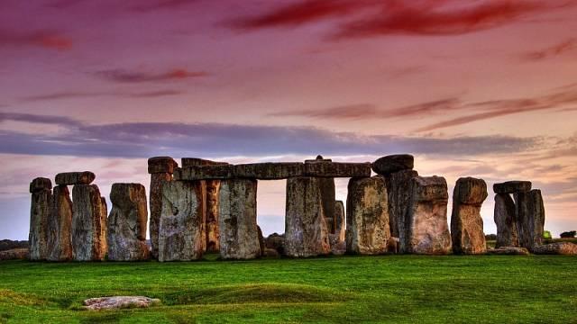 Stonehenge je magickým místem, o jehož účelu se vedou nejrůznější spekulace.