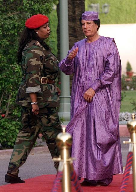 """""""Bratr vůdce"""" s osobní ochrankou, 2002"""