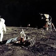 Neil Armstrong a Buzz Aldrin, muži na Měsíci