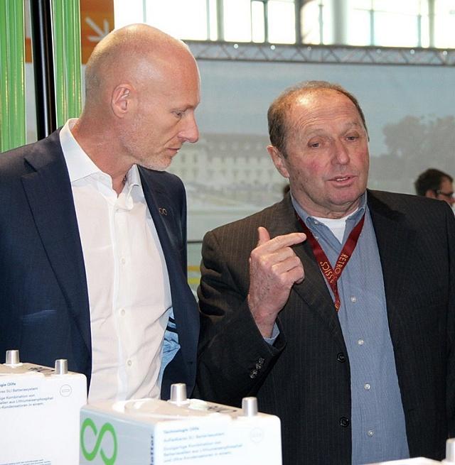 Petr Žaluda sbývalým pilotem Formule 1Jochenem Massem, nyní spolupracovníkem jeho firmy.