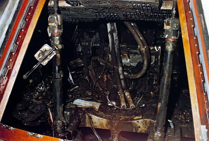 Kabina Apolla 1 zničená požárem