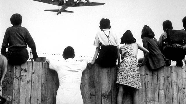 Berlínská blokáda (23. června 1948 - 12. května 1949)