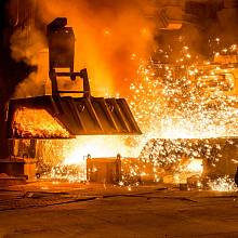 I evropští oceláři mají důvod sami sebe považovat za oběti globalizace, které prohrávají v konkurenci s neférovou čínskou konkurencí.